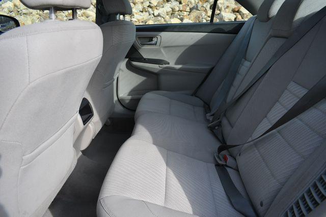 2017 Toyota Camry Hybrid LE Naugatuck, Connecticut 11