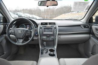 2017 Toyota Camry Hybrid LE Naugatuck, Connecticut 16