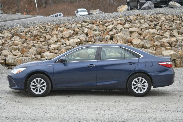 2017 Toyota Camry Hybrid LE Naugatuck, Connecticut 1
