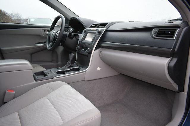 2017 Toyota Camry Hybrid LE Naugatuck, Connecticut 8