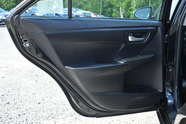 2017 Toyota Camry SE Naugatuck, Connecticut 12