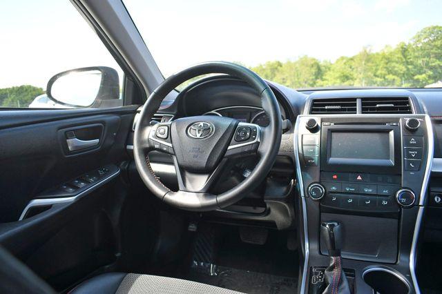 2017 Toyota Camry SE Naugatuck, Connecticut 15