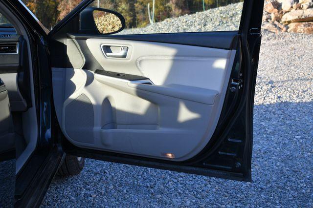 2017 Toyota Camry Hybrid XLE Naugatuck, Connecticut 10