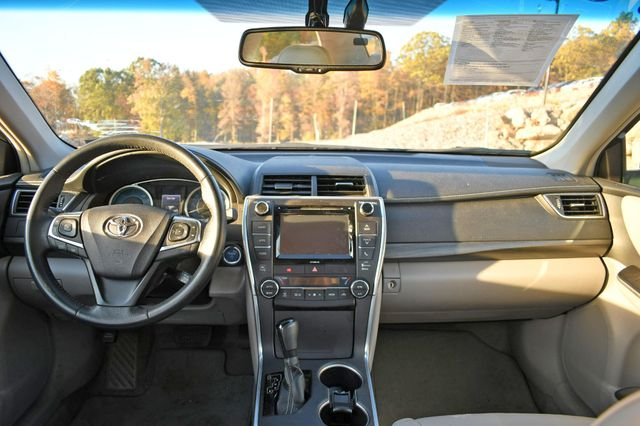 2017 Toyota Camry Hybrid XLE Naugatuck, Connecticut 16