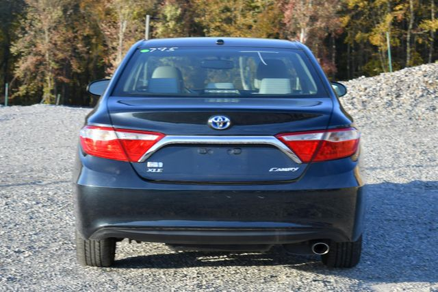 2017 Toyota Camry Hybrid XLE Naugatuck, Connecticut 3