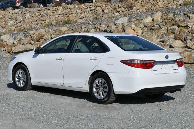 2017 Toyota Camry Hybrid LE Naugatuck, Connecticut 2