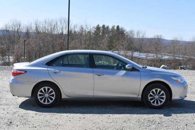2017 Toyota Camry LE Naugatuck, Connecticut 7