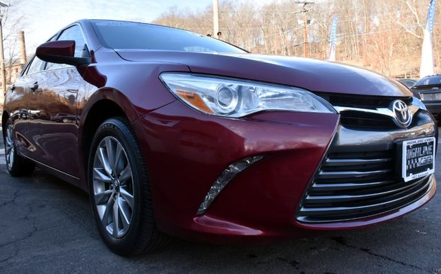 2017 Toyota Camry XLE Waterbury, Connecticut 9