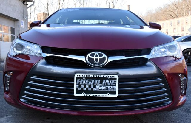 2017 Toyota Camry XLE Waterbury, Connecticut 10