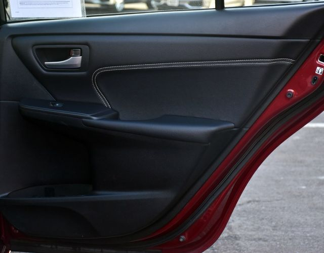 2017 Toyota Camry XLE Waterbury, Connecticut 25