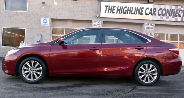 2017 Toyota Camry XLE Waterbury, Connecticut 4