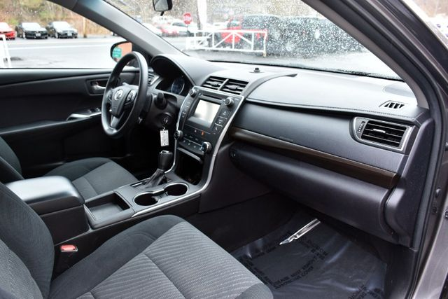 2017 Toyota Camry LE Waterbury, Connecticut 15