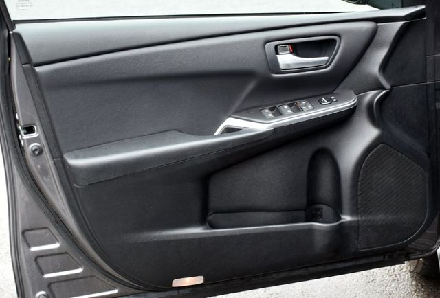 2017 Toyota Camry LE Waterbury, Connecticut 19