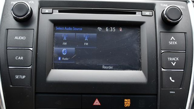 2017 Toyota Camry LE Waterbury, Connecticut 22