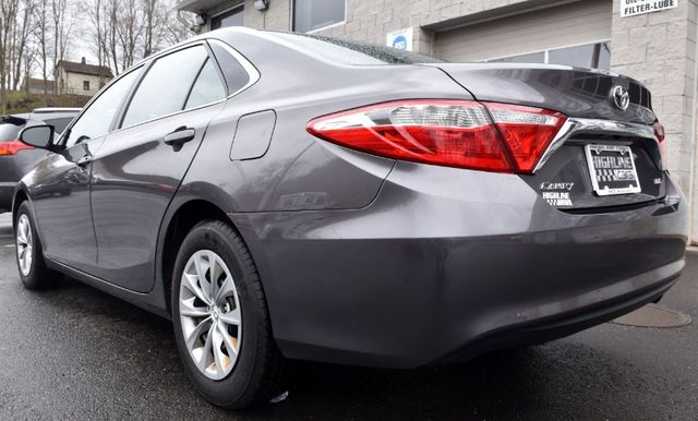2017 Toyota Camry LE Waterbury, Connecticut 3