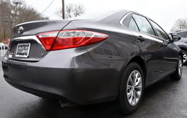 2017 Toyota Camry LE Waterbury, Connecticut 5