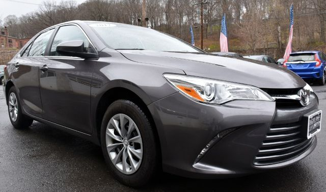 2017 Toyota Camry LE Waterbury, Connecticut 7