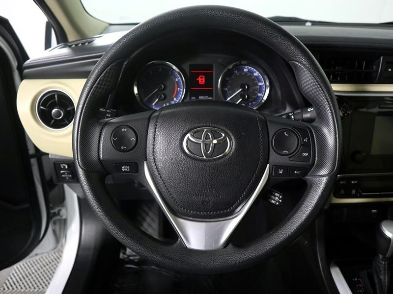 2017 Toyota Corolla LE  city Ohio  North Coast Auto Mall of Cleveland  in Cleveland, Ohio