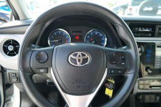 2017 Toyota Corolla LE Hialeah, Florida 12