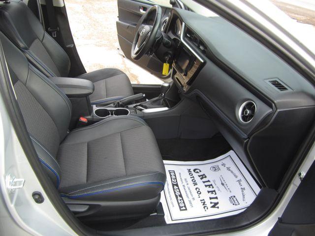 2017 Toyota Corolla SE Houston, Mississippi 9