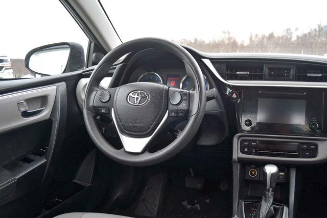 2017 Toyota Corolla LE Naugatuck, Connecticut 12