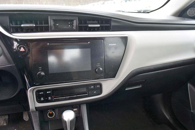 2017 Toyota Corolla LE Naugatuck, Connecticut 17