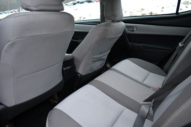 2017 Toyota Corolla LE Naugatuck, Connecticut 13