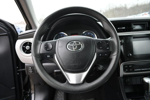 2017 Toyota Corolla LE Naugatuck, Connecticut 20