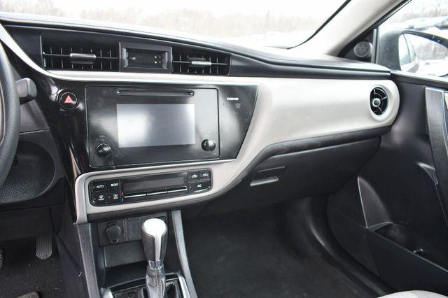 2017 Toyota Corolla LE Naugatuck, Connecticut 21