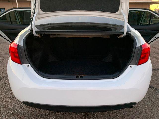 2017 Toyota Corolla SE 3 MONTH/3,000 MILE NATIONAL POWERTRAIN WARRANTY Mesa, Arizona 11