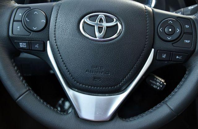 2017 Toyota Corolla SE Waterbury, Connecticut 30