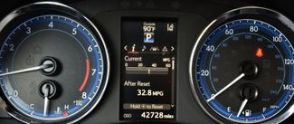 2017 Toyota Corolla SE Waterbury, Connecticut 25