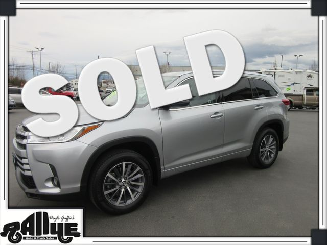 2017 Toyota Highlander XLE AWD in Burlington, WA 98233