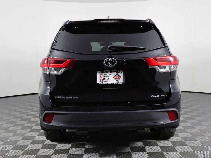 2017 Toyota Highlander XLE  city Ohio  North Coast Auto Mall of Cleveland  in Cleveland, Ohio