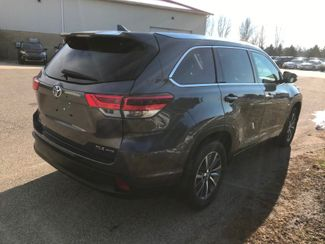 2017 Toyota Highlander XLE Farmington, MN 1