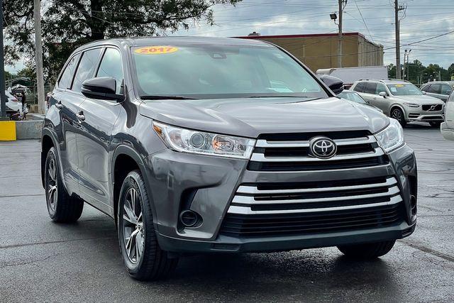 2017 Toyota Highlander LE in Memphis, TN 38115