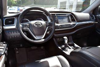 2017 Toyota Highlander XLE Waterbury, Connecticut 18