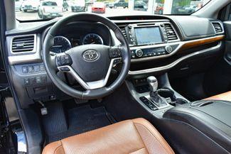 2017 Toyota Highlander Limited Platinum Waterbury, Connecticut 17