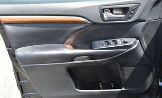 2017 Toyota Highlander Limited Platinum Waterbury, Connecticut 33