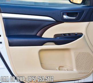 2017 Toyota Highlander XLE Waterbury, Connecticut 32