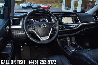 2017 Toyota Highlander SE V6 AWD Waterbury, Connecticut 16