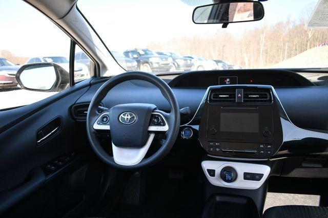 2017 Toyota Prius Naugatuck, Connecticut 24