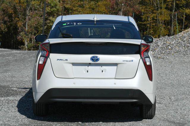 2017 Toyota Prius Naugatuck, Connecticut 3