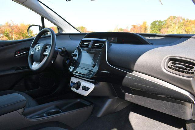 2017 Toyota Prius Naugatuck, Connecticut 8