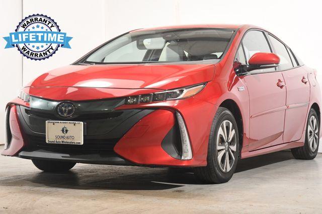 2017 Toyota Prius Prime Premium w/ Nav/ Safety Tech