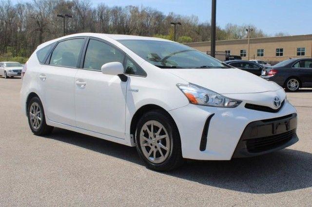 2017 Toyota Prius v Two St. Louis, Missouri 0