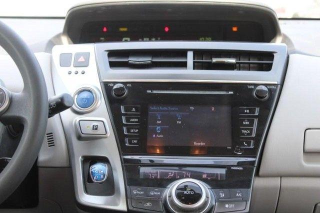 2017 Toyota Prius v Two St. Louis, Missouri 13