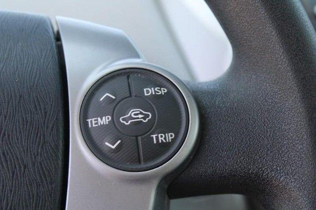 2017 Toyota Prius v Two St. Louis, Missouri 16
