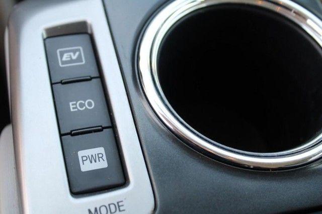 2017 Toyota Prius v Two St. Louis, Missouri 17
