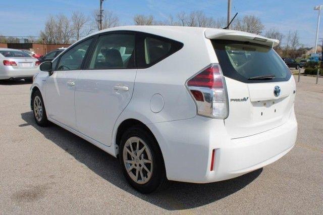 2017 Toyota Prius v Two St. Louis, Missouri 6